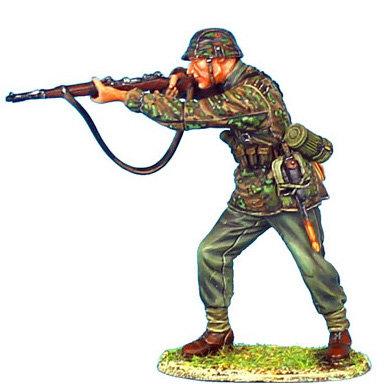 NOR024 - Waffen-SS Panzer Grenadier Standing Firing
