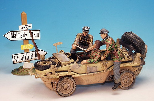 WGTR.1 - 2 Officers Plus Driver to Fit Into Schwimmwagen