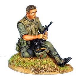VN022 - US 25th Infantry Division Sitting Loading Cartridge