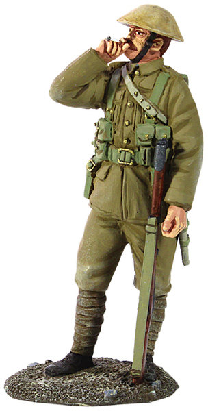 23071 - 1916-17 British Infantry Standing Smoking