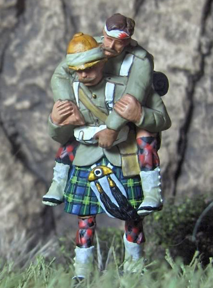 NWF-026 - Gordon Carrying Wounded (2 figures)