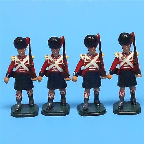 MI-423 - British Blackwatch Highlanders Marching - 54mm Metal