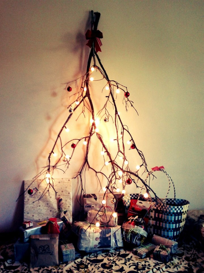 Holiday Blog: Alternatives to the Plastic Christmas Tree