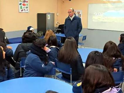 """25 alumnas del colegio Santa María de Aconcagua comenzaron el programa """"Aprende a Emprender"""" del IPL"""