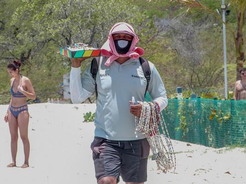 La pandemia y los vendedores informales de las playas samarias