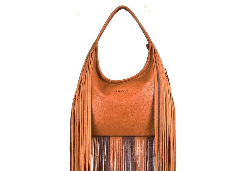 103.shoulder_bag_long_fringe_cognac_deta