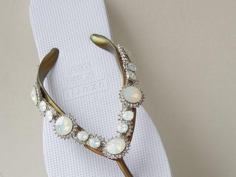 Classic_Line_Pearl_Marilyn_White.JPG