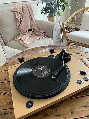 J'ai testé pour vous la platine vinyle Bluetooth® TT450BT de chez Thomson
