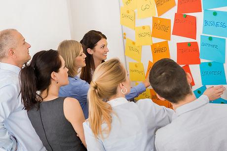 stockfresh_4129366_colleagues-brainstorm