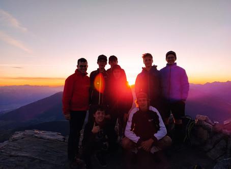 Bergtouren, Grillen und Fußball
