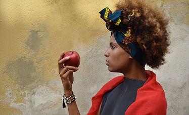 nikon-digital-slr-d5600-sample-apple.jpg