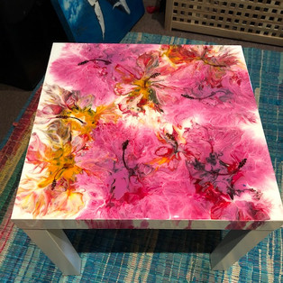 hibiscus blooms coffee table