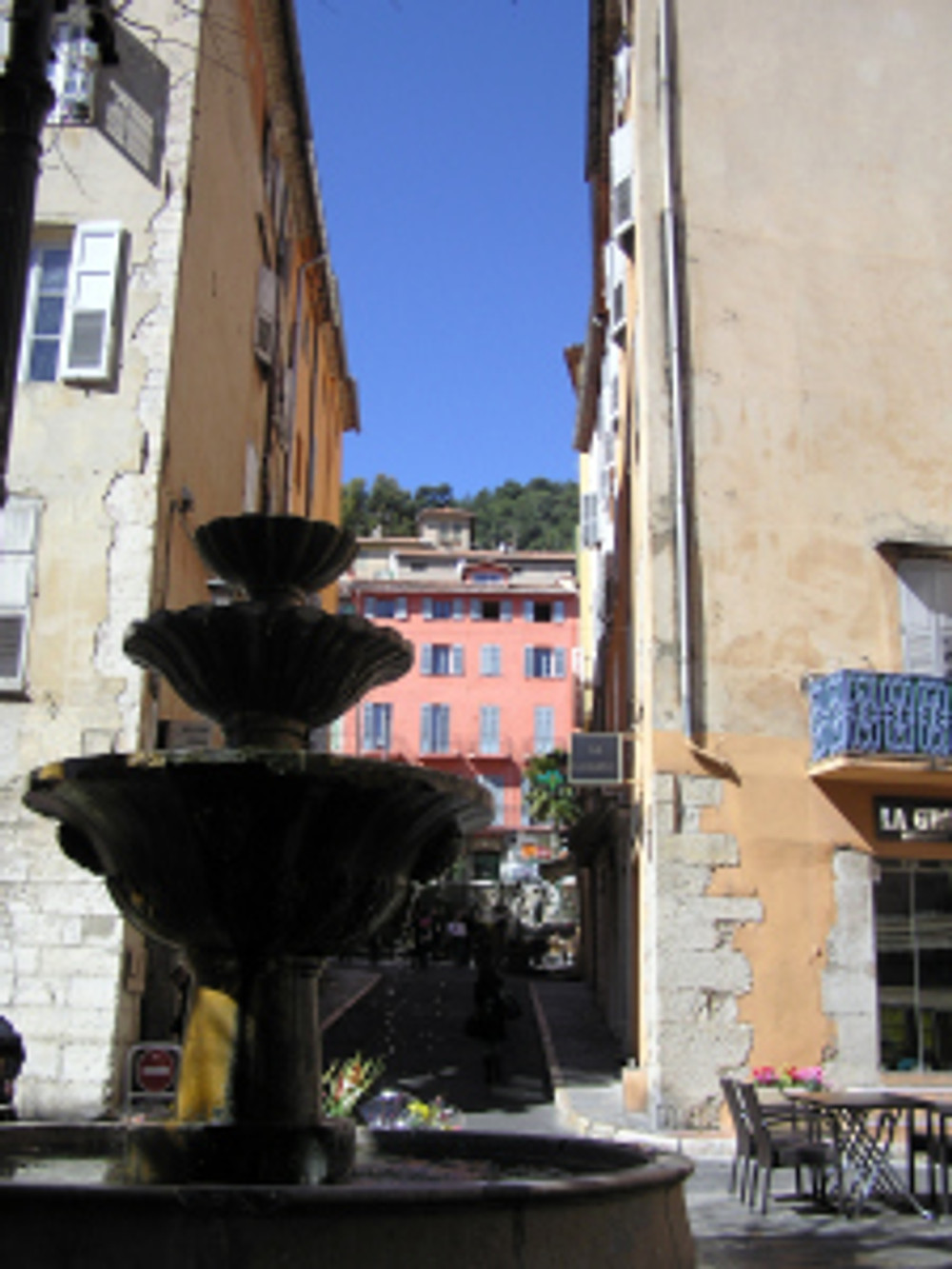 Grasse centre fountain
