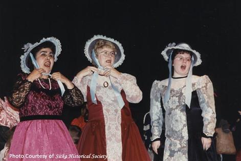 1995 Bonnets.jpg