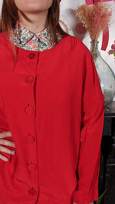 Veste en soie rouge