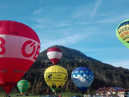 Με αερόστατο πάνω από τις Άλπεις!