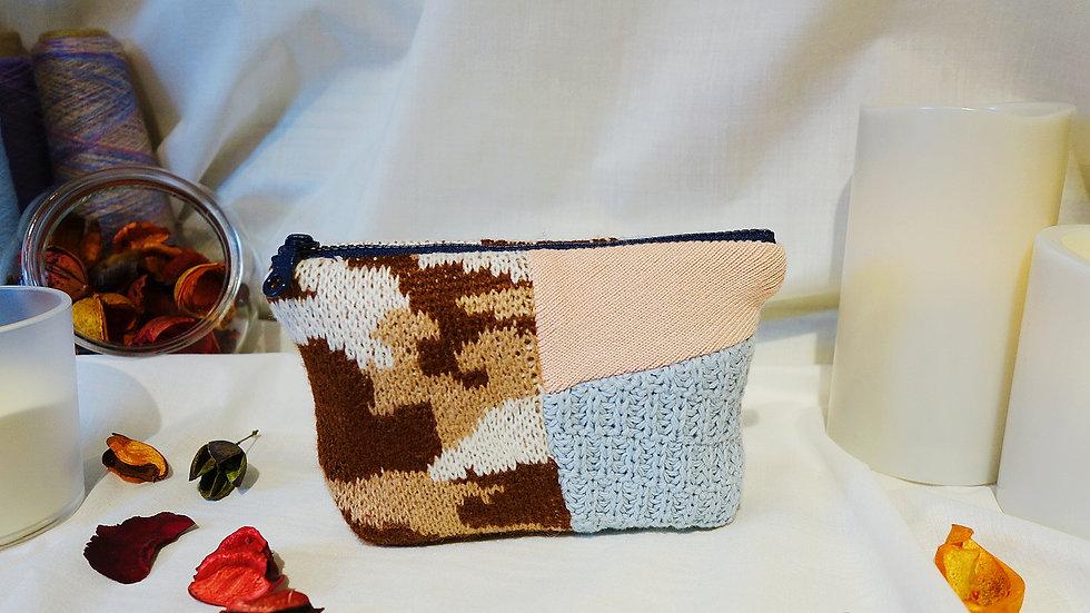 粉嫩迷彩拼接針織船型包