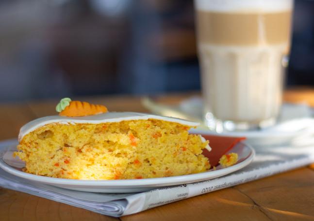 Kaffee- und Kuchenangebot  Montag - Freitag 14 - 18 Uhr für 5,25 €