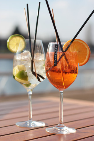 Aperol Spritz und Gin Tonic