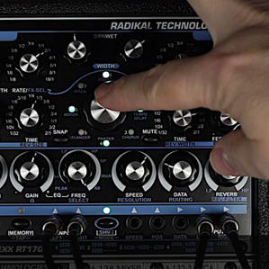 RT1701 Multi Effect Processor 'EFFEXX'