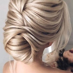 5ca914ea1747c_stunning-prom-hairstyles-f