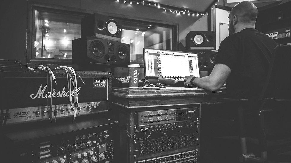 Music Producer, audio engineer, music studio, mix engineer, mastering engineer