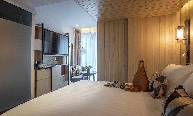 The Spencer Hotel - Pod Room.jpg