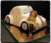 Beetle car cake_Fotor.jpg