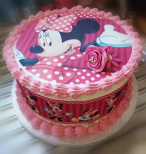 Minnie Mouse cake.jpg