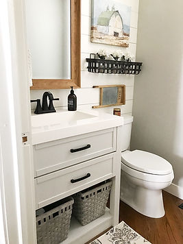 Small bathroom with farmhouse accents.