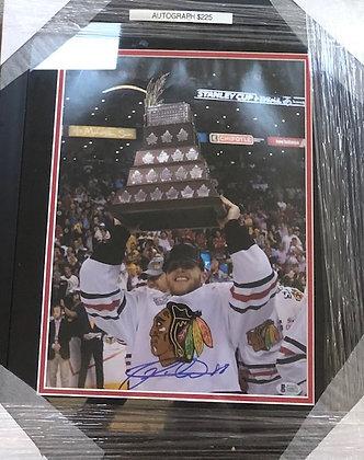 Patrick Kane Blackhawks signed frame 11x14 Beckett certified