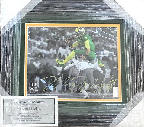 Marcus Mariota Oregon signed custom frame 8x10  Beckett Mariota certified
