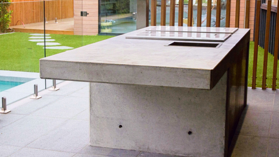 outdoor kitchen & architectural concrete