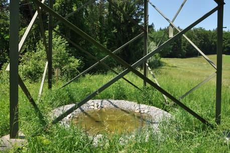 Tümpelbau zur Förderung von Gelbbauchunken unter Hochspannungsmasten