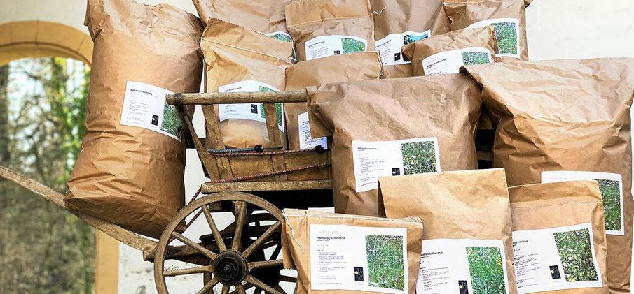 Saatgut abgefüllt und bereit zur Auslieferung  © Wolfgang Bischoff
