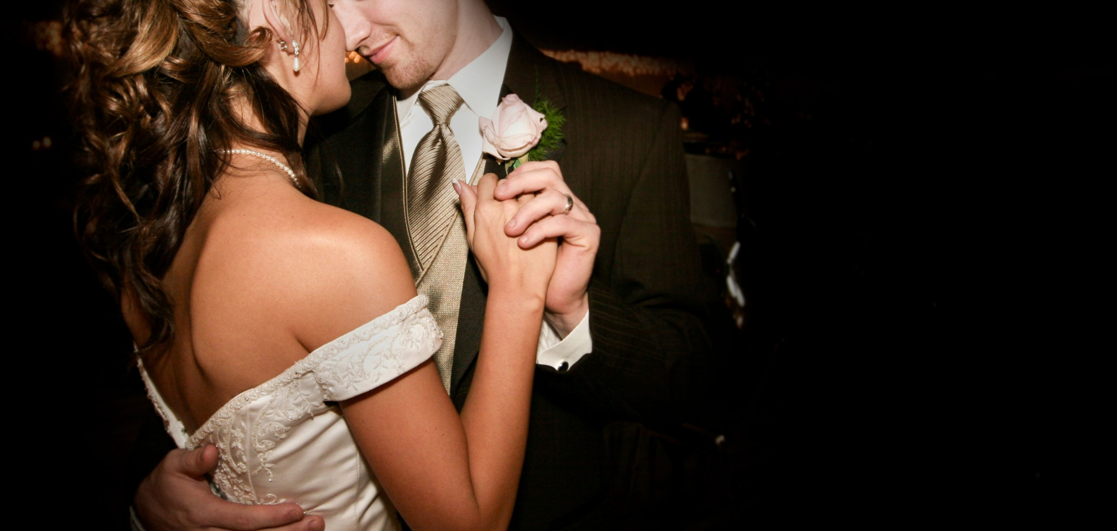 Married%20Dancing%20Couple_edited.jpg