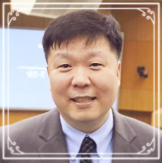 Pastor Michael Lee Headshot