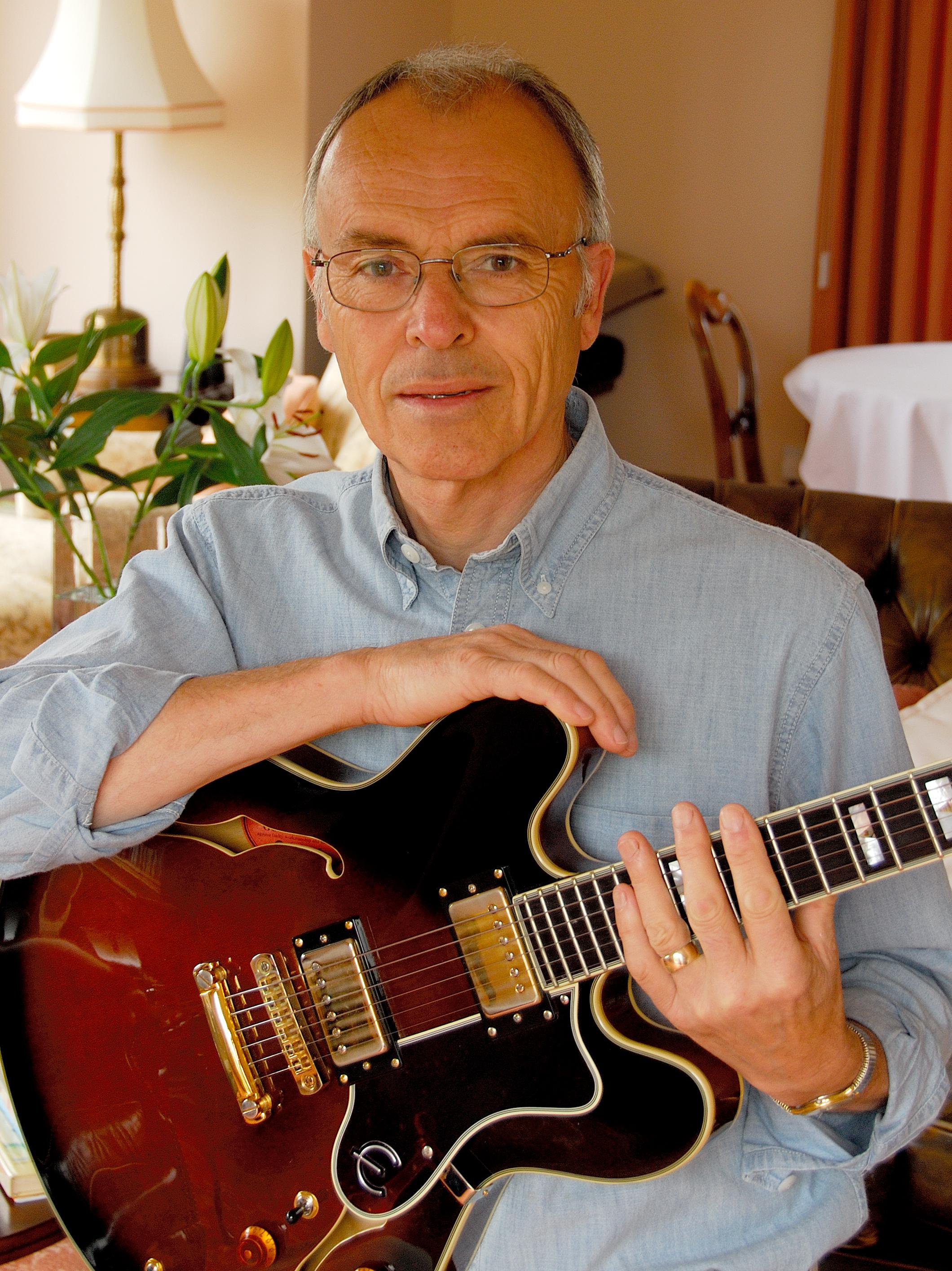 Jon Jayes Rhythm guitar