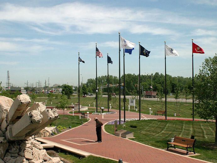 Community-Veterans-Memorial-Attraction-M