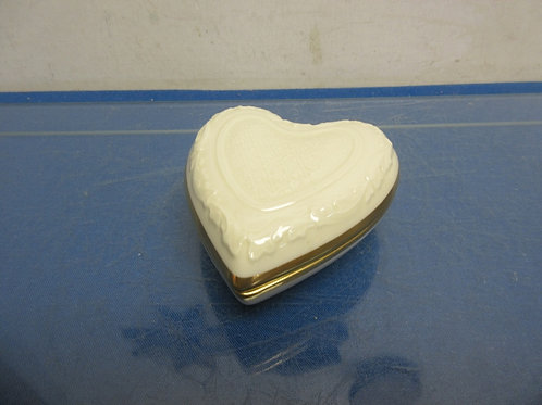 Lenox heart shaped keepsake box with lid