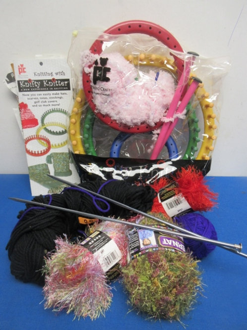 Knifty Knitter Set - includes 4 round frames, assorted yarn and needles