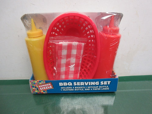 BBQ serving set, plastic containers and basket