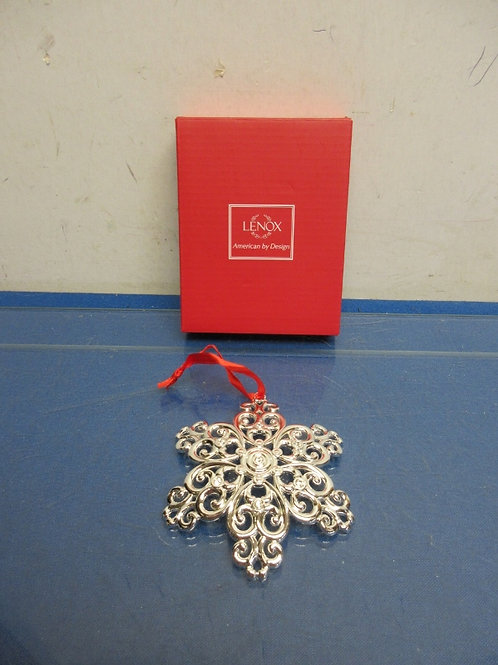 Lenox silver snow flake metal ornament - new in box