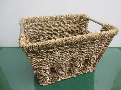 "Metal frame woven basket 9x12x8""deep"