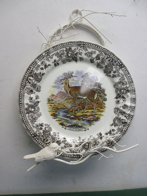 White crackled twig design plate rack w/outdoor scene plate & metal bird on rack