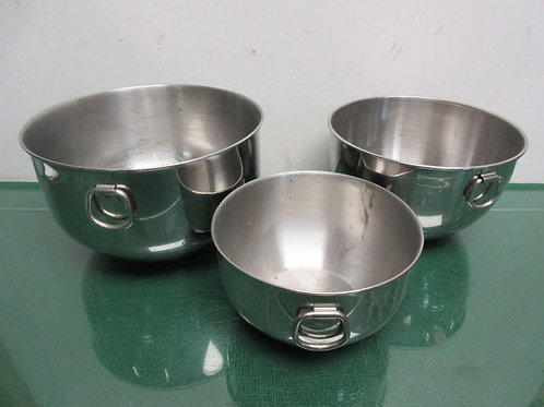 Set of 3 stainless mixing bowls