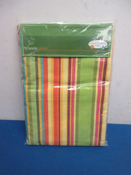 Summer living oblong tablecloth  indoor/outdoor 52x70, New