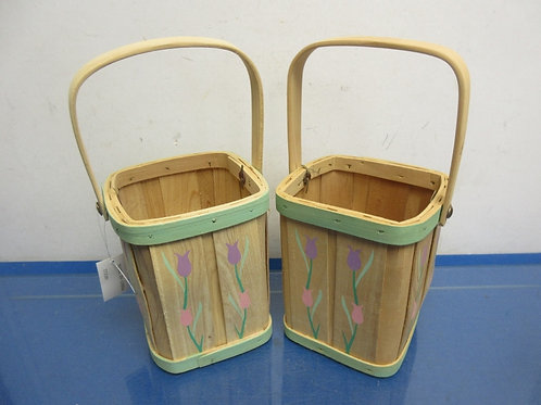 """Pair of baskets with tulip décor, 6""""high, 2 pairs available"""