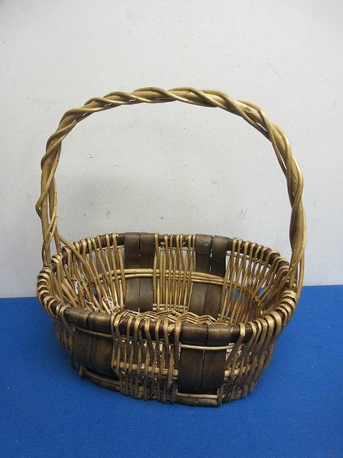 Oval 2 tone woven basket with handle