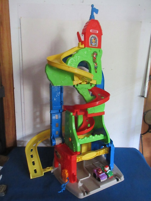 Fisher Price Little People sit and stand skyway with 2 cars